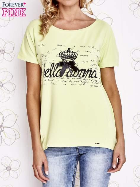 Limonkowy t-shirt z ozdobnym napisem i kokardą                                  zdj.                                  1