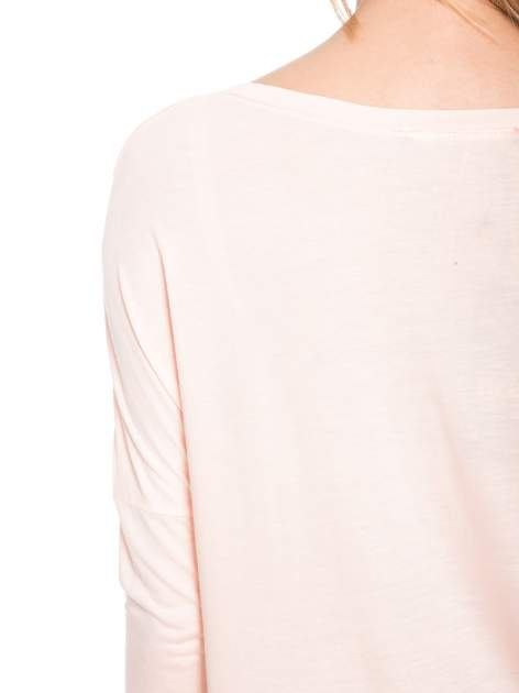 Łososiowa bluzka z dużym napisem MUSE                                  zdj.                                  10