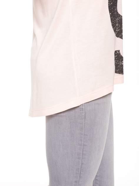 Łososiowa bluzka z dużym napisem MUSE                                  zdj.                                  9