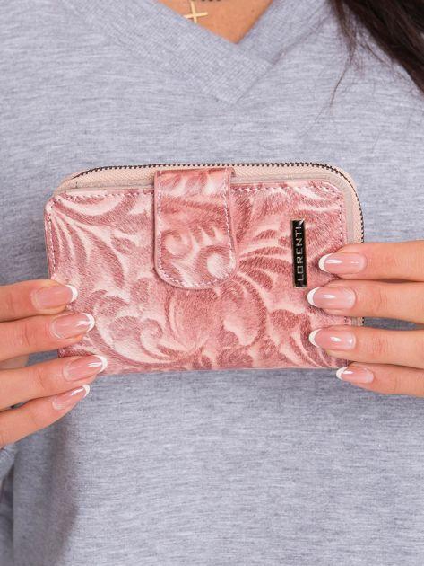 Łososiowy damski portfel we wzory