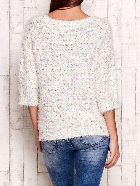 Melanżowy włochaty sweter z podwijanymi rękawami                                  zdj.                                  2
