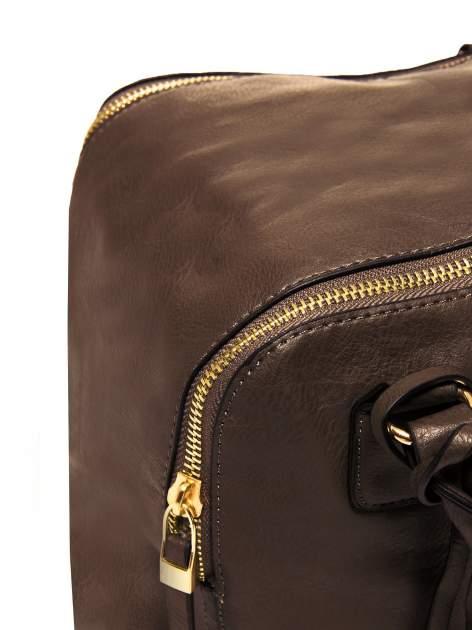 Miękki kuferek w kolorze kawowym                                  zdj.                                  4