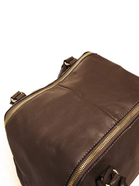 Miękki kuferek w kolorze kawowym                                  zdj.                                  6
