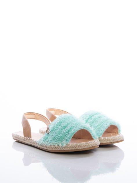 Miętowe sandały z ozdobnym frędzelkowym przodem                              zdj.                              2