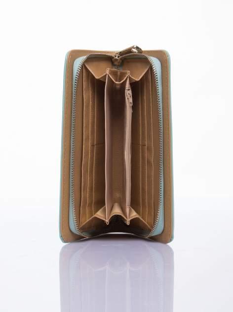 Miętowy lakierowany portfel z odpinanym złotym łańcuszkiem                                  zdj.                                  3