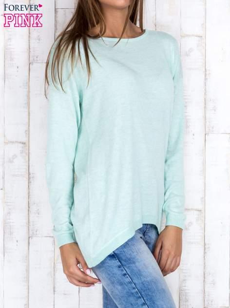 Miętowy nietoperzowy sweter oversize z dłuższym tyłem                                  zdj.                                  3