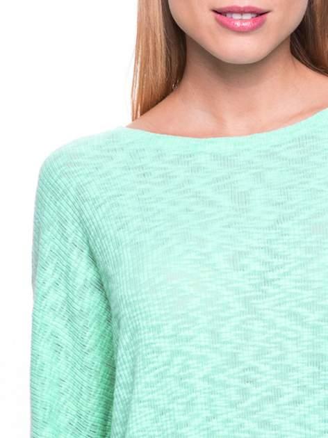 Miętowy sweter z rozcięciem na plecach                                  zdj.                                  5