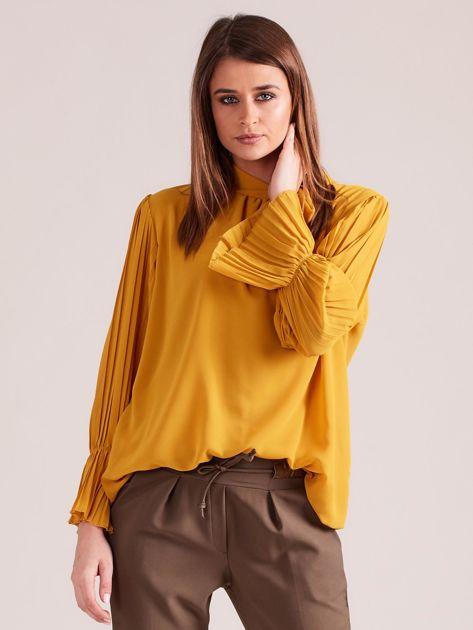 Musztardowa bluzka z plisowanymi rękawami                              zdj.                              1