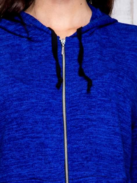 Niebieska bluza cropped z kapturem                                  zdj.                                  6