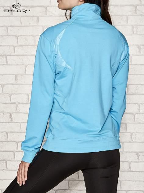 Niebieska bluza sportowa fitness ze wstawkami                                  zdj.                                  3