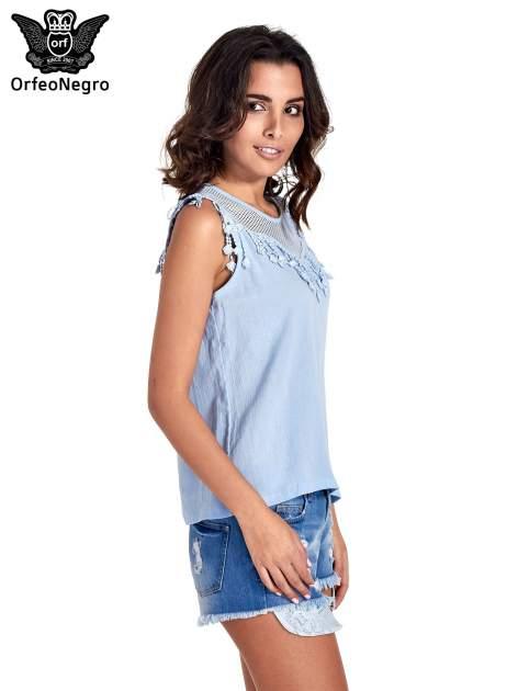 Niebieska bluzka koszulowa z frędzlami przy dekolcie                                  zdj.                                  3