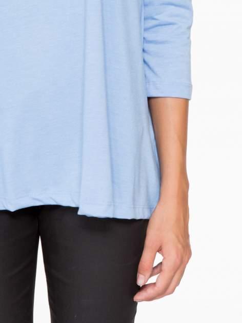 Niebieska bluzka o rozkloszowanym kroju z rękawem 3/4                                  zdj.                                  7