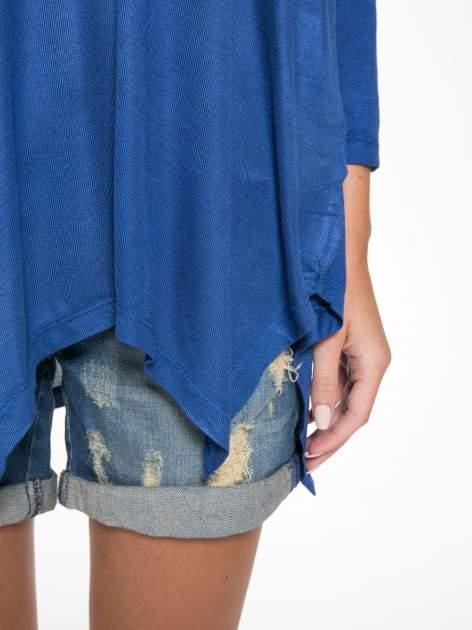 Niebieska bluzka z asymetrycznym cięciem na dole                                  zdj.                                  8
