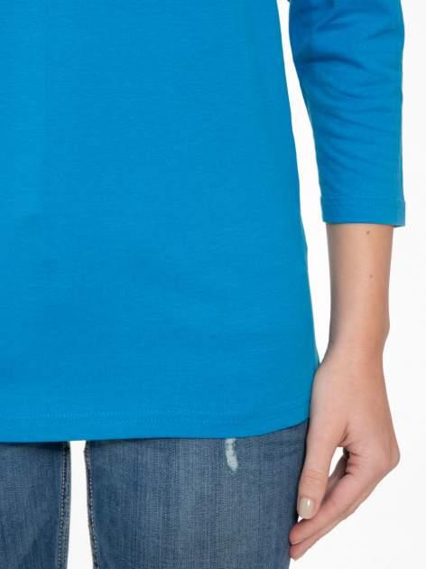 Niebieska bluzka z marszczonym dekoltem i rękawkami 3/4                                  zdj.                                  6