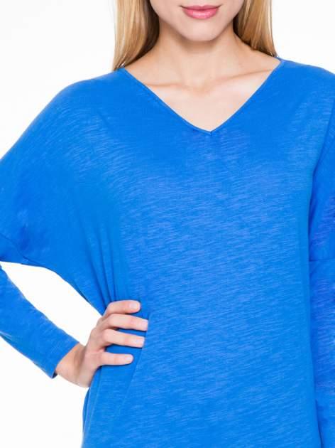 Niebieska bluzka z wiązanym oczkiem z tyłu                                  zdj.                                  5