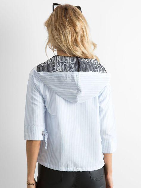 Niebieska cienka bluza w paski                              zdj.                              2