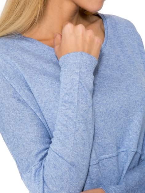 Niebieska dresowa bluza oversize z kieszeniami                                  zdj.                                  6