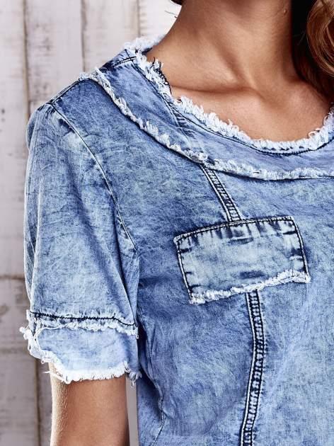 Niebieska jeansowa sukienka z surowym wykończeniem                                  zdj.                                  5
