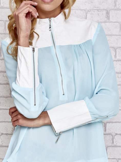 Niebieska koszula ze skórzanymi pikowanymi wstawkami                                  zdj.                                  5