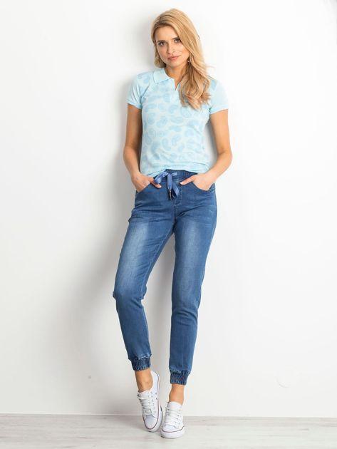 Niebieska koszulka polo z motywem paisley                              zdj.                              4