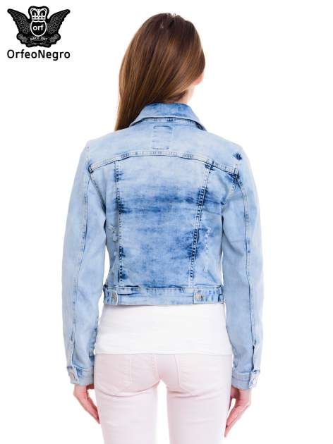 Niebieska kurtka jeansowa damska z cieniowaniem i przetarciami                                  zdj.                                  4