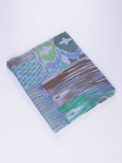 Niebieska lekka chustka we wzór boho                                  zdj.                                  2