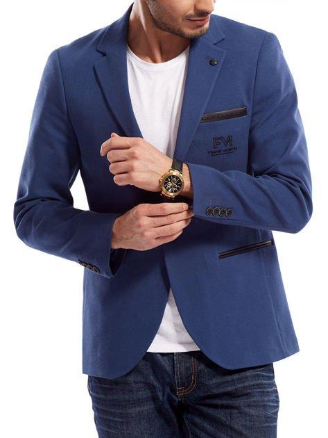 Niebieska marynarka męska slim fit z ozdobnym wykończeniem kieszeni                              zdj.                              5