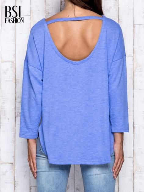 Niebieska melanżowa bluzka z dekoltem na plecach                                  zdj.                                  5