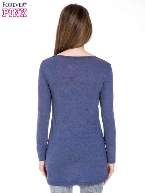 Niebieska melanżowa bluzka z dłuższym tyłem                                  zdj.                                  4