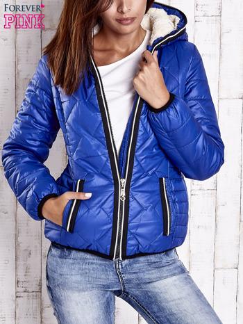 Niebieska pikowana kurtka z futrzaną podszewką                                  zdj.                                  1