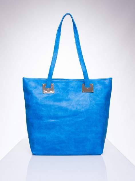 Niebieska prosta torba shopper bag ze złotymi okuciami