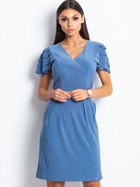 Niebieska sukienka koktajlowa z falbankami na rękawach                              zdj.                              4