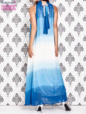 Niebieska sukienka maxi z wiązaniem na plecach