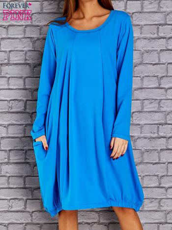 Niebieska sukienka oversize ze ściągaczem na dole                                   zdj.                                  1