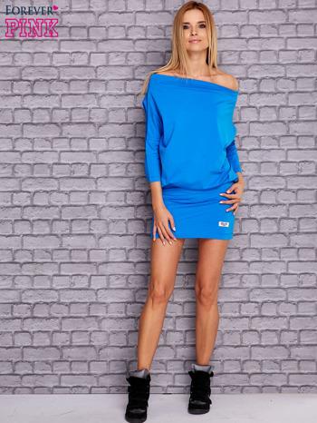 Niebieska sukienka z luźnym kołnierzem                                  zdj.                                  2