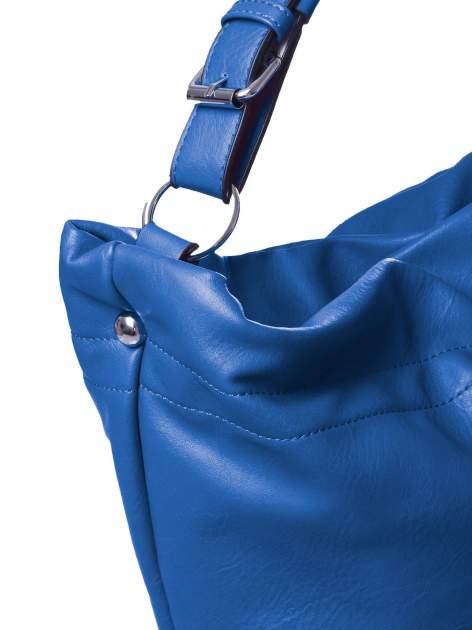 Niebieska torba hobo na ramię                                  zdj.                                  3