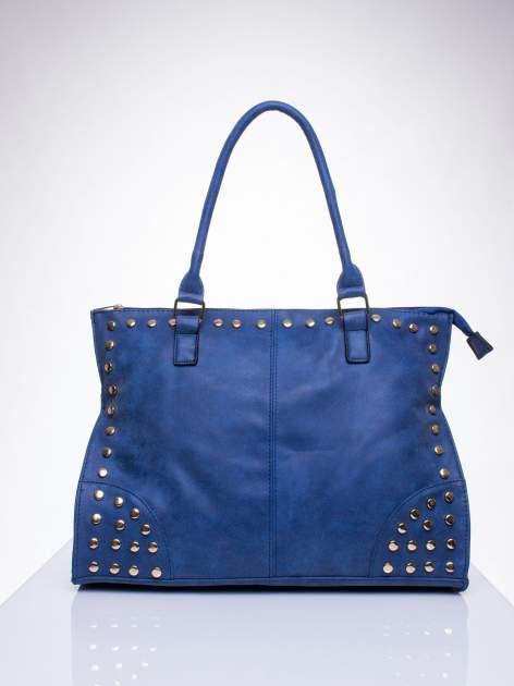 Niebieska torba shopper bag ze złotymi ćwiekami