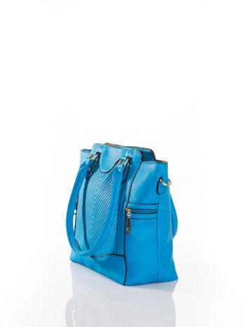 Niebieska torba ze złotymi wykończeniami                                  zdj.                                  3