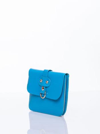 Niebieska torebka listonoszka z klapką                                  zdj.                                  4
