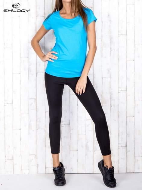 Niebieski damski t-shirt sportowy basic PLUS SIZE                                  zdj.                                  2