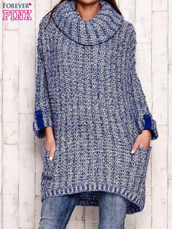 Niebieski melanżowy sweter z szerokim golfem i kieszeniami                                   zdj.                                  1