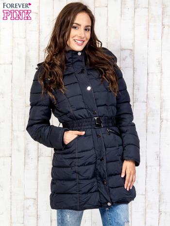 Niebieski pikowany płaszcz z paskiem                                  zdj.                                  4
