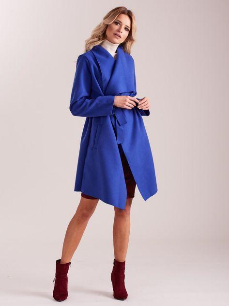 Niebieski płaszcz z kieszeniami i wiązaniem                              zdj.                              4
