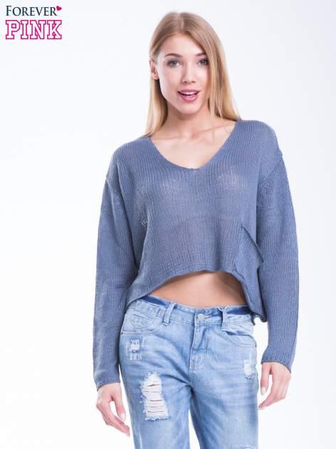 Niebieski siatkowy sweter typu crop top