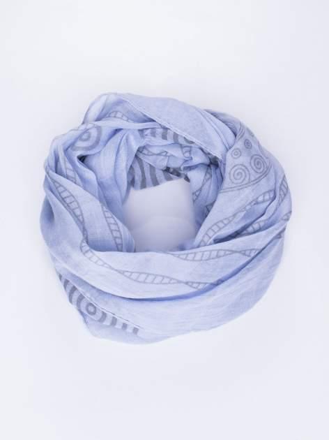 Niebieski szal w graficzny, organiczny wzór                                  zdj.                                  2