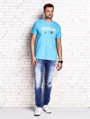 Niebieski t-shirt męski z napisami BROOKLYN NEW YORK SPIRIT 86                                  zdj.                                  4