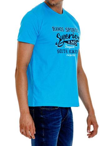 Niebieski t-shirt męski ze sportowym nadrukiem i napisem SUPERIOR                                  zdj.                                  4
