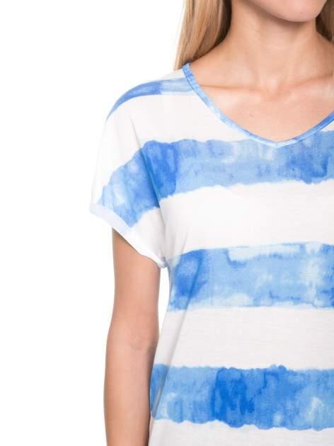 Niebieski t-shirt w paski tie-dye                                  zdj.                                  6