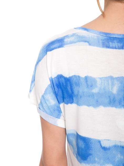 Niebieski t-shirt w paski tie-dye                                  zdj.                                  10