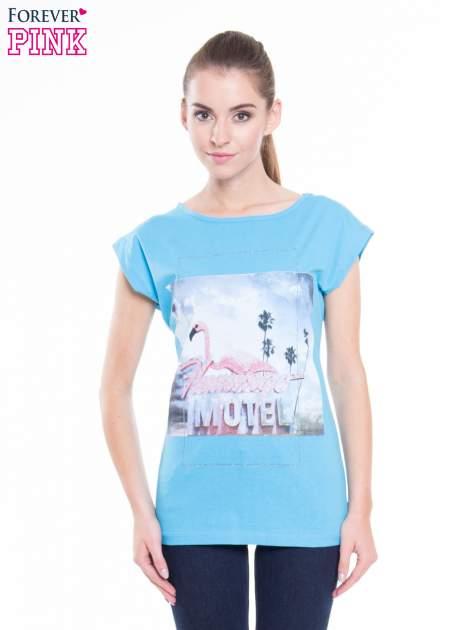 Niebieski t-shirt z nadrukiem FLAMINGO MOTEL